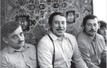 Братья Моисеевы. Александр Павлович - слева